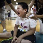 """Kinh hoàng khi chứng kiến trẻ em béo phì tập luyện tại """"lò luyện mỡ"""" Trung Quốc"""