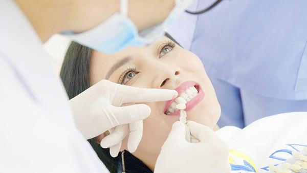 mài răng bọc sứ, mài răng bọc sứ có đau không, mài răng bọc sứ có ảnh hưởng gì không, mài răng bọc sứ hết bao nhiêu tiền, mài răng bọc sứ giá bao nhiêu, mài răng để bọc sứ có đau không, có nên mài răng bọc sứ